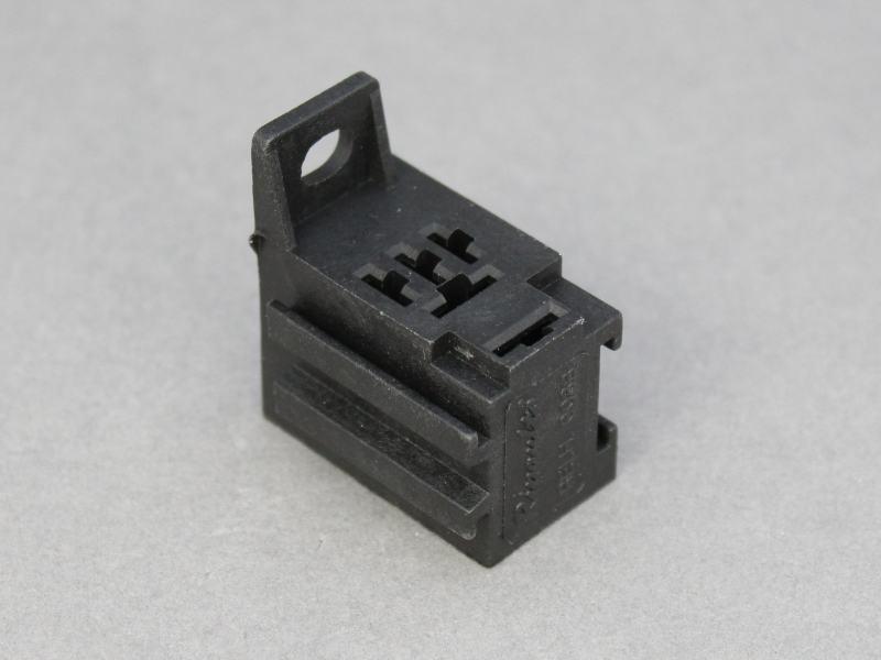 Micro Relay Socket 12 Volt Planet
